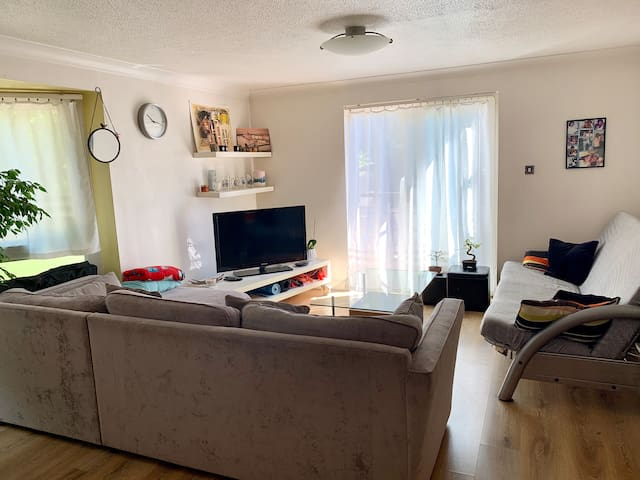 Double bedroom, private bathroom central London