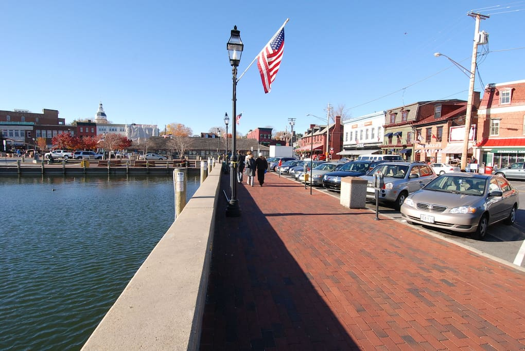 Annapolis Harbor/Downtown Shopping