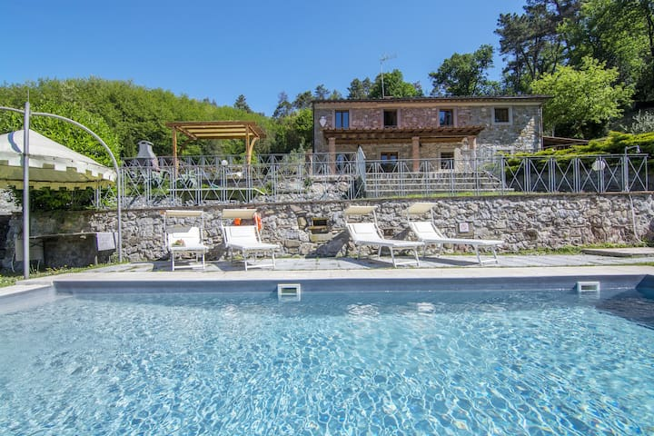 Tuscany-Lucca with private pool at exclusive use!