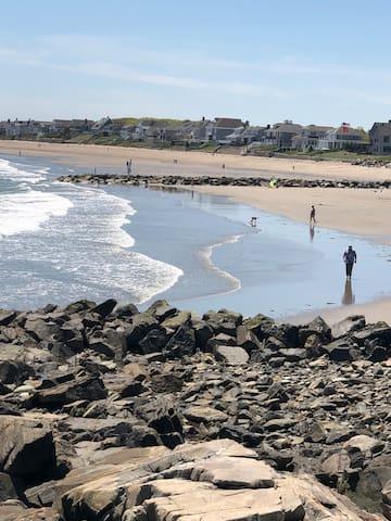 Wallis Sands Beach is only a 4 minute walk away.