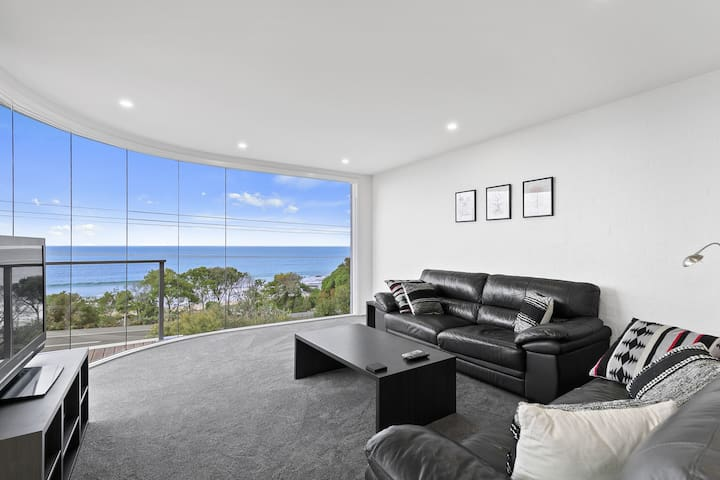 Fantastic view & location in Lorne!