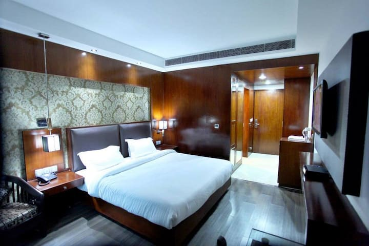 Luxury room in East of kailash,Delhi