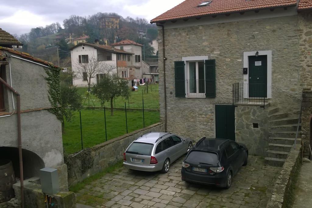 il rustico con parcheggio