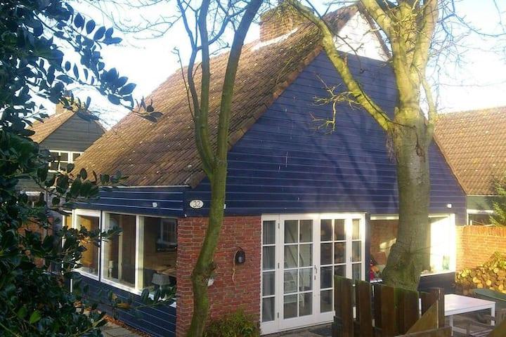 4 star holiday home in Noordwijkerhout