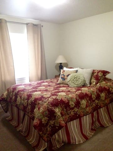 Comfortable rooms near a variety of activities! - Heber City - Huis