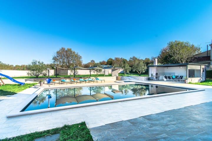 Beautiful Villa in Vrsar with Swimming Pool