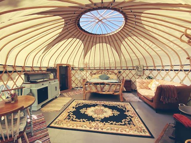 Brogh Yurt at Woonsmith Farm