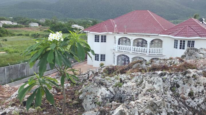 Eve's Rockaway Villa ( Doctor's Cave room)