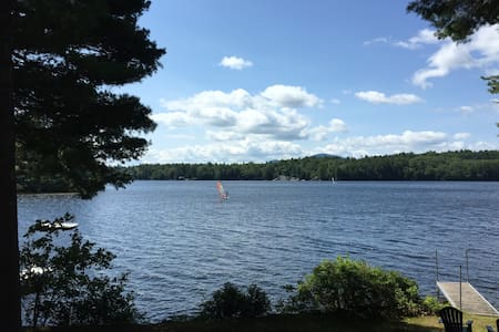 Waterfront Cottage (Loon Suite) on Highland Lake
