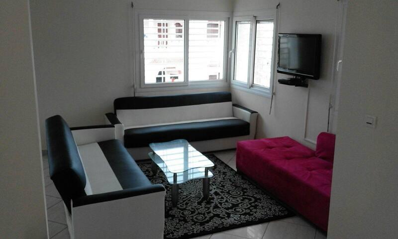 Beach Side 6 Bedrooms Luxurious Villa  Ref: 1099