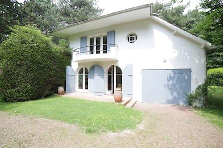 Villa famille en forêt du Touquet 10min de la mer - Le Touquet-Paris-Plage - วิลล่า
