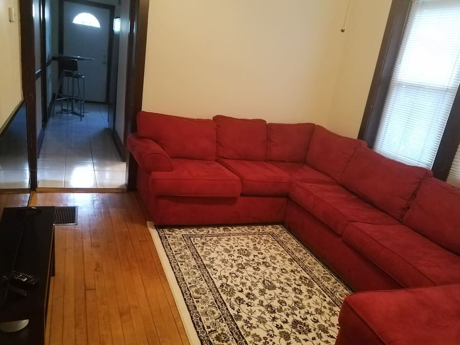 2 Bedroom In Logan Square Close To Transportation Apartments For Rent In Chicago Illinois