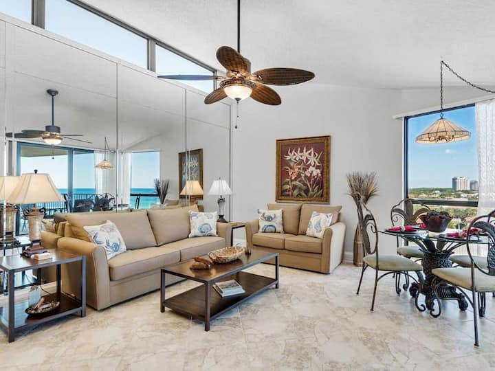 8th Floor Comfortable gulf view Condo, beach setup included, Near dining