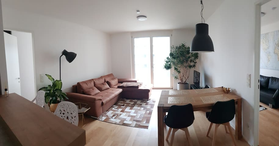 Central apartment with 2 bathrooms and big terrace