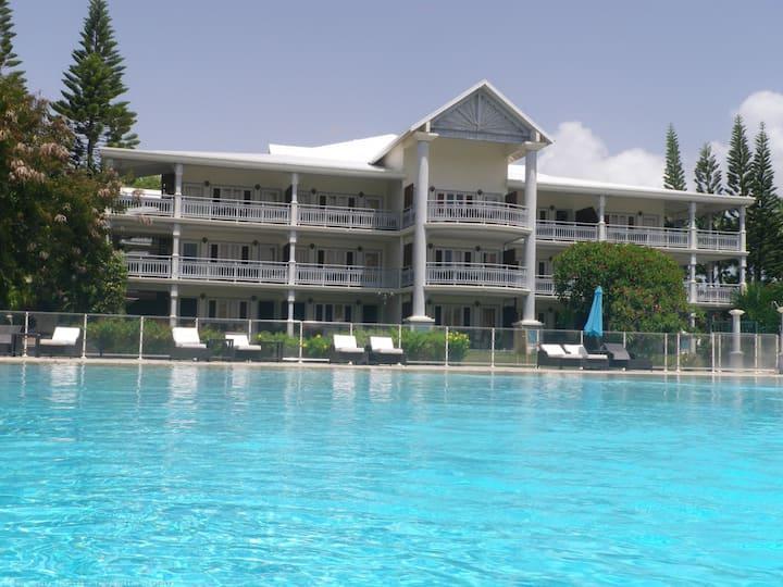 Votre appartement Télumée avec piscine et jardin