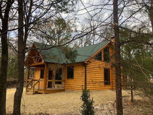 Sweet Escape-Brand New Luxury Log Cabin