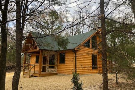 Sweet Escape-Brand New Luxury Log Cabin