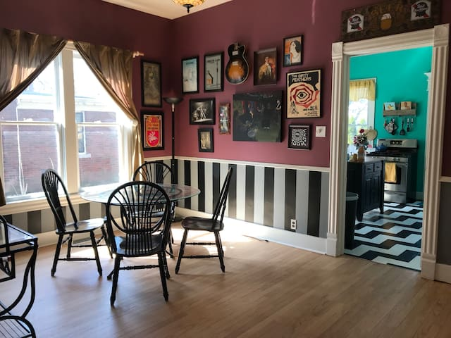 Charming Victorian Home Near Downtown and Campus