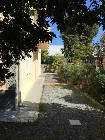 Bilocale con veranda a Loano