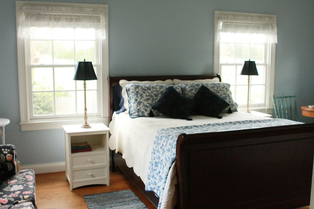 Bedroom #1 Peaceful Country Suite