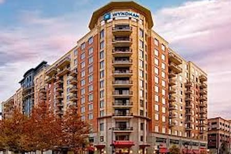 2 Bdr at the Wyndham National Harbor Resort - Oxon Hill