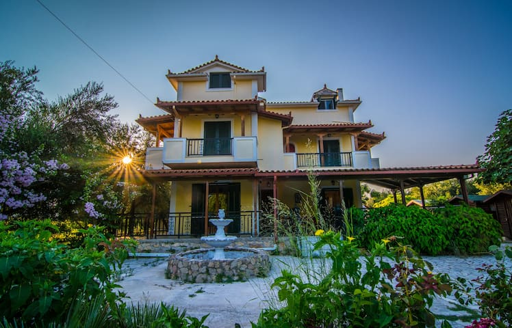 Traditional Vacation House - Kalpaki - Daire