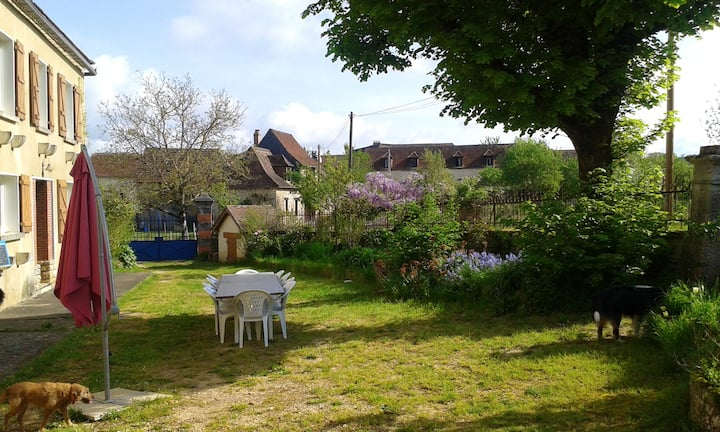 House with 5 bedrooms in Coulaures, with private pool, enclosed garden and WiFi