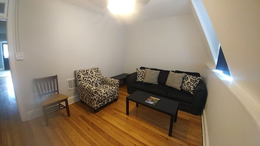 2 Bed Condo w/ Laundry in Downtown Charles Town