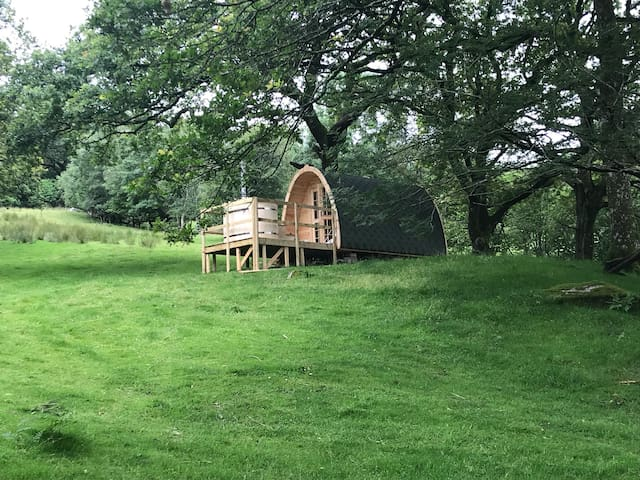 Snowdonia Eco glamping with Hot Tub