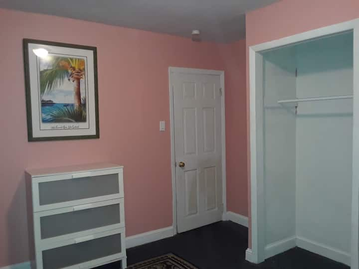 Simple and Quaint Room in NJ 4