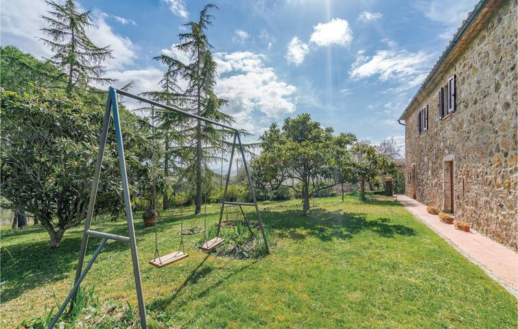 Semi-Detached with 2 bedrooms on 90m² in Massa Marittima GR