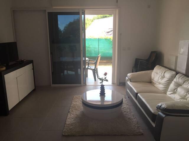 Appartement T3 de standing avec jardinet - Cayenne