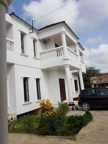 Fabulous Rooms or House-Brufut Gambia-Mango-Rm 2/3