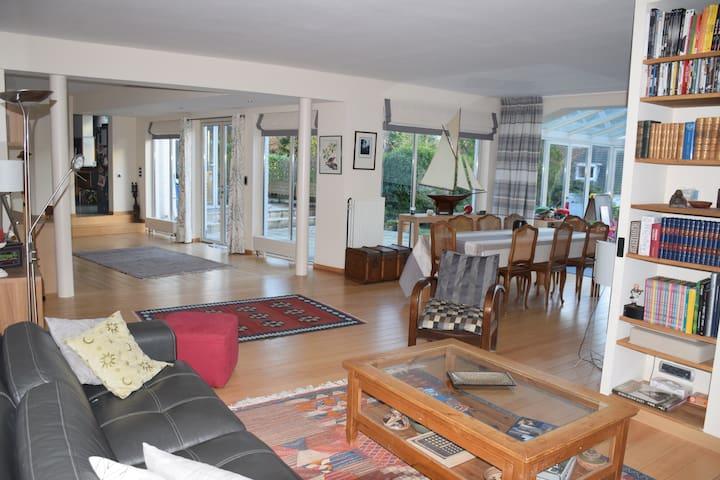 Villa dans quartier verdoyant - Uccle