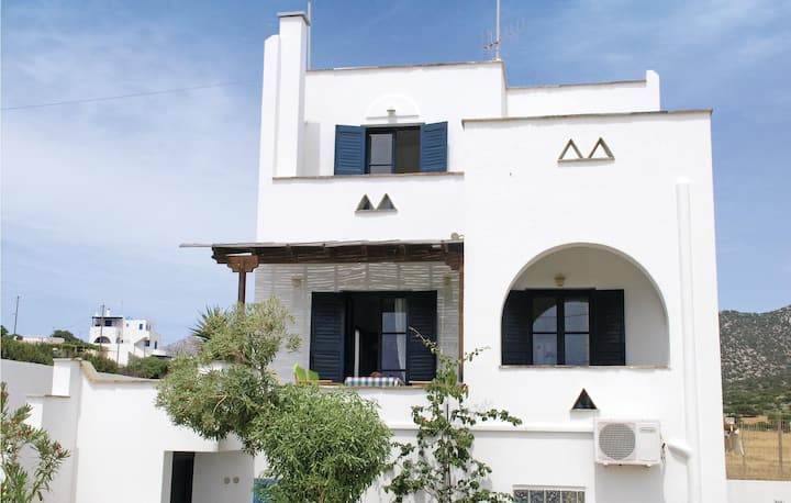 Stunning home in Agiasos Naxos Island with WiFi and 4 Bedrooms