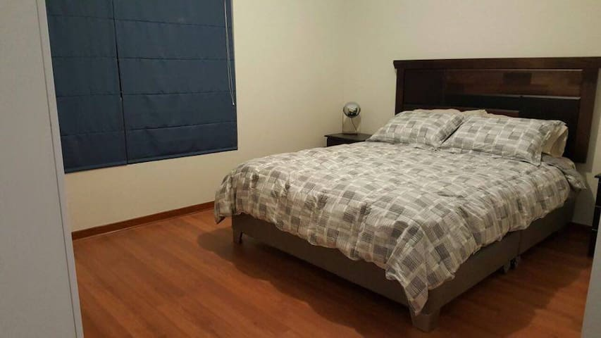 Master Bedroom & Bath close to Lima's INTL Airport - Pueblo Libre - Leilighet