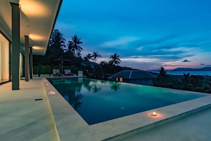 Contemporary Hillside Seaview 'Villa Rahul'