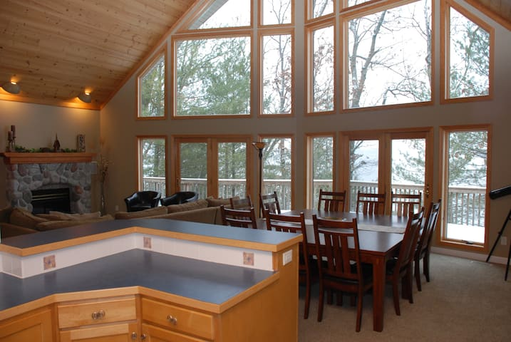 Allegan Lake House near South Haven and Saugatuck - Allegan - Dom