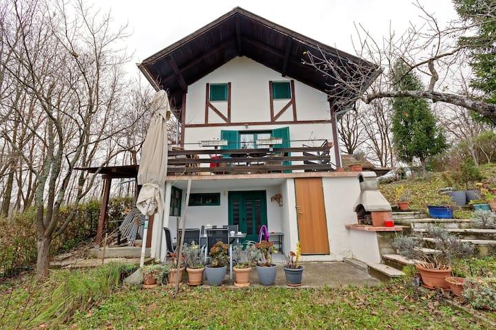 Maison de vacances confortable avec jardin à Havidic Selo