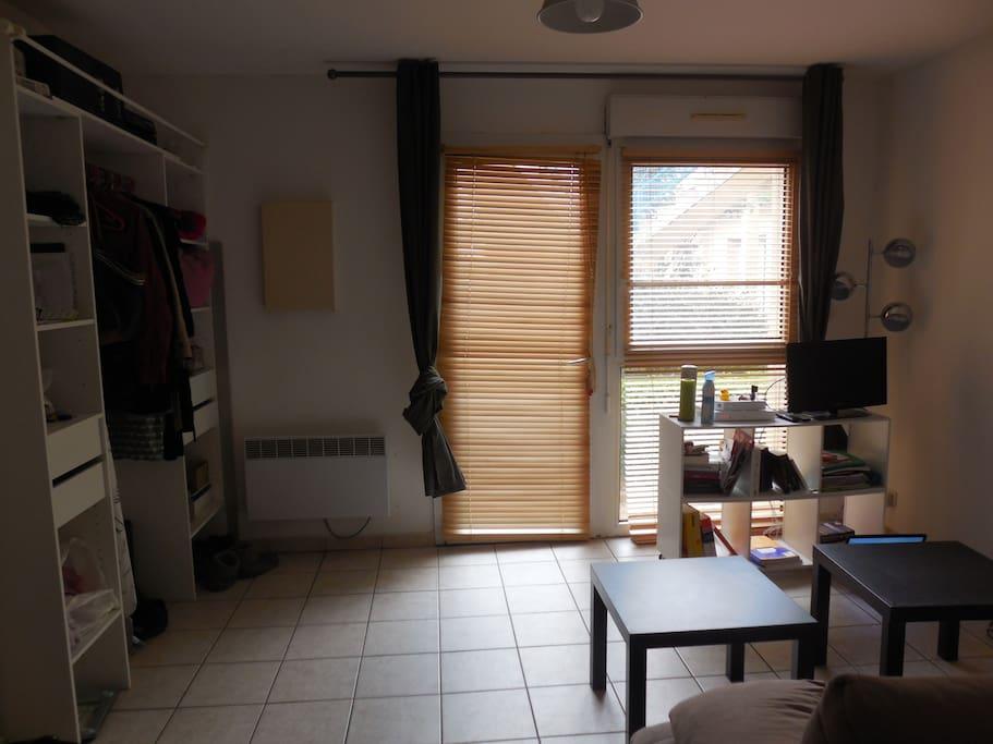 studio agr able au coeur de ville appartements louer dijon bourgogne franche comt france. Black Bedroom Furniture Sets. Home Design Ideas