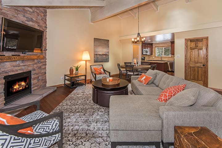 Rustic Luxury Remodeled Tahoe Condo