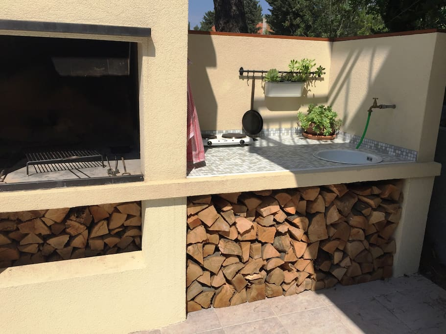 The grill & open-air kitchen