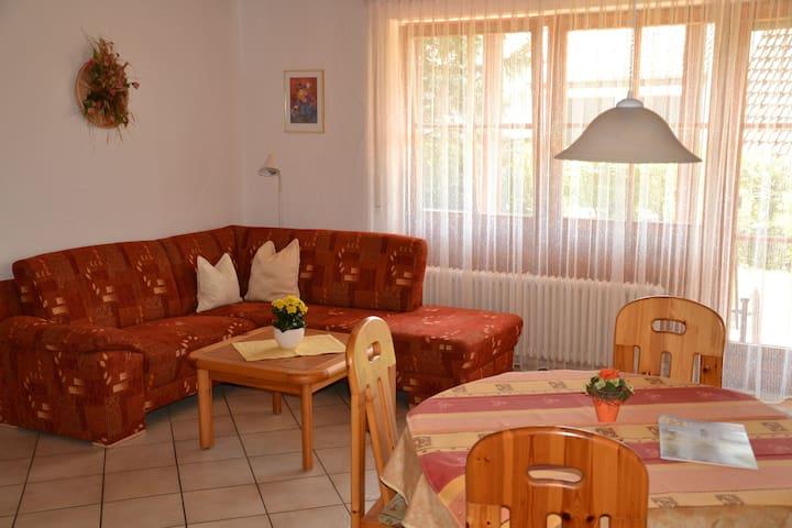 Ferienhaus Behler, (Kressbronn a. B.), Ferienwohnung 2, 45qm, 1 Schlafzimmer, max. 2 Personen
