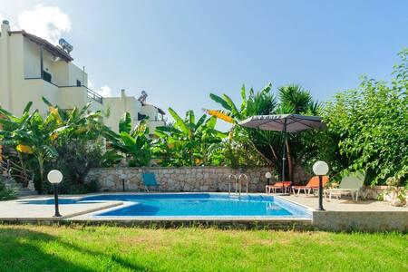 Gavalochori Villa with 2 bedrooms and private pool - Gavalohori - วิลล่า