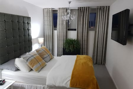Lovely room in westend