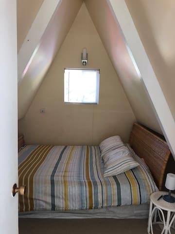 Bedroom #3 - Queen (Loft)