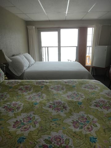 Oceanside room with  balcony & ocean view - Sointula - Jiné