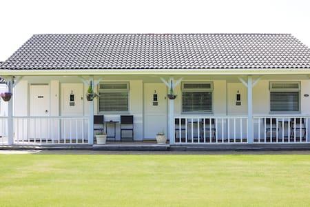 Henley Boutique Lodges, near Stratford upon Avon - Warwickshire - Inny