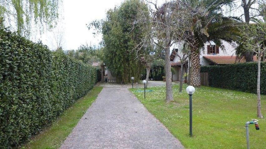 VILLETTA INDIPENDENTE CON GIARDINO Rif: AV017 - Pietrasanta - Haus