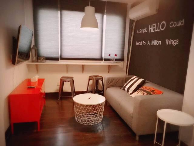 市中心漂亮时尚女生公寓超大空间床位房,紧邻地铁(仅限女生入住) - Shanghai - Leilighet